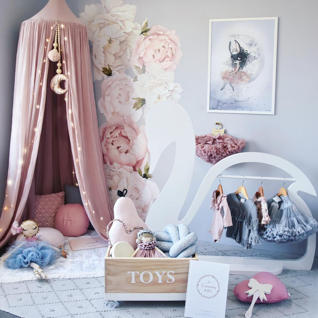 Rose Gold Princess Nursery | 5 Trendy and Unique Nursery Themes for 2017 | Baby Aspen