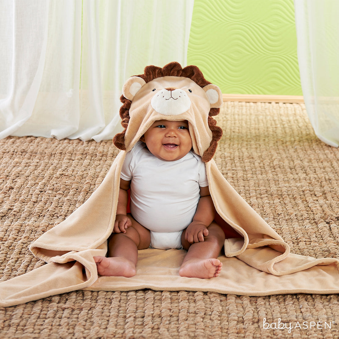 Lion Hooded Blanket | 9 Ideas to Keep Baby Warm This Winter | Baby Aspen