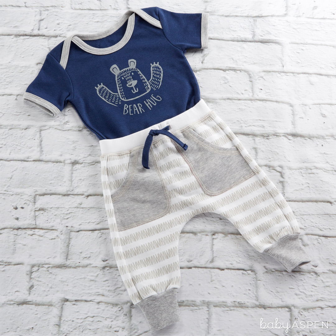 Trendy Baby Bear Hug 2-Piece Outfit | 5 Trendy Gifts for Your Stylish Baby | Baby Aspen