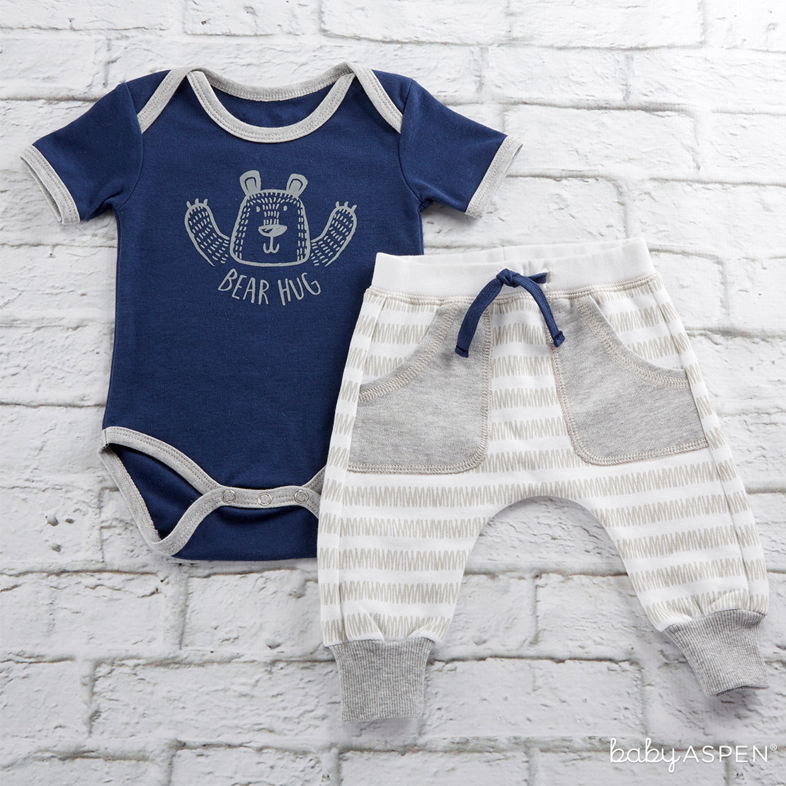 Trendy Baby Bear Hug 2 Piece Outfit | 9 Ideas to Keep Baby Warm This Winter | Baby Aspen