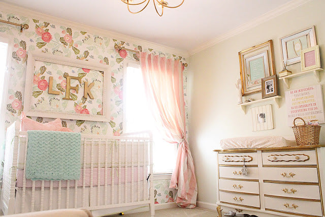 wallpaper-nursery-baby-girl