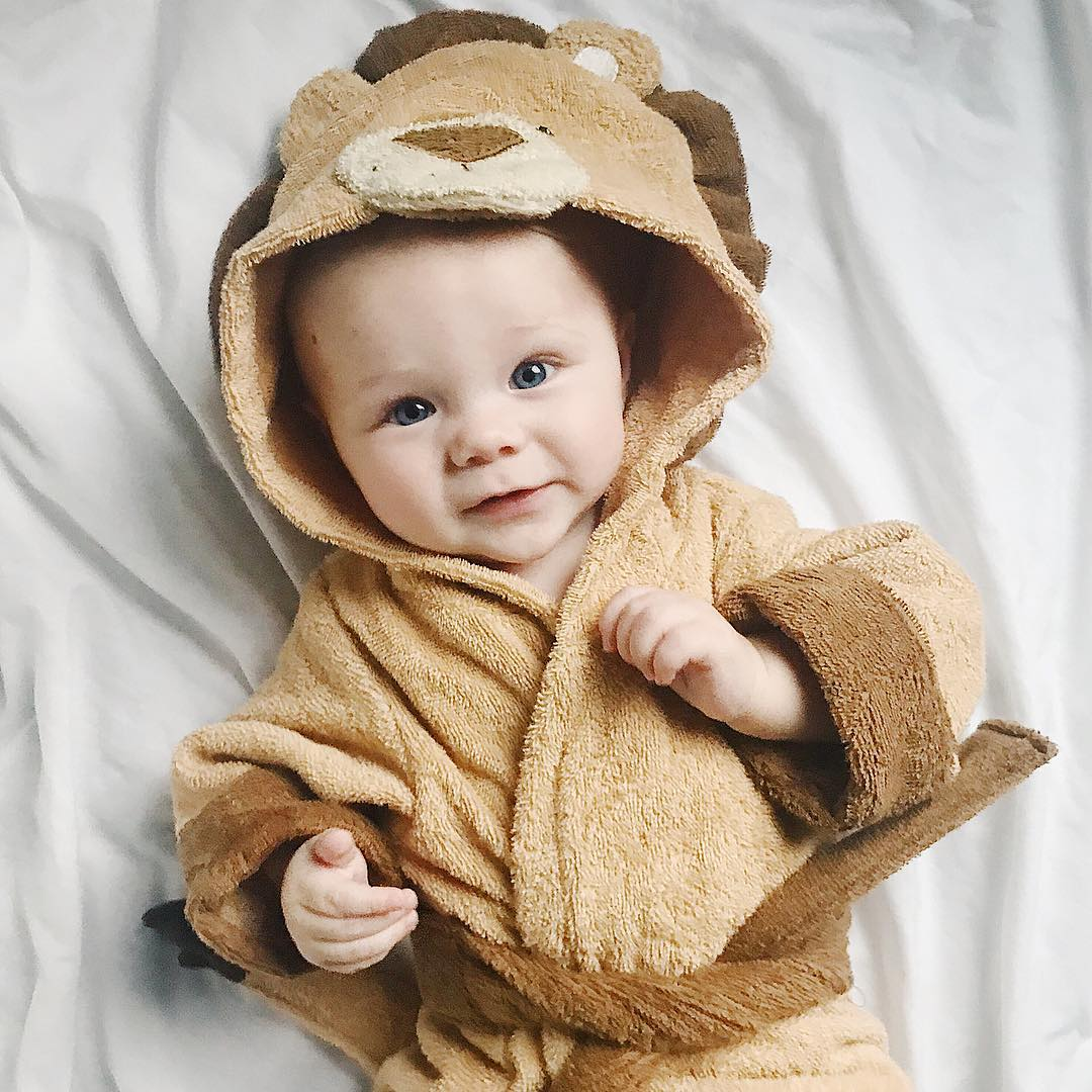 Lion Robe | Lion Lovers Giveaway | Baby Aspen