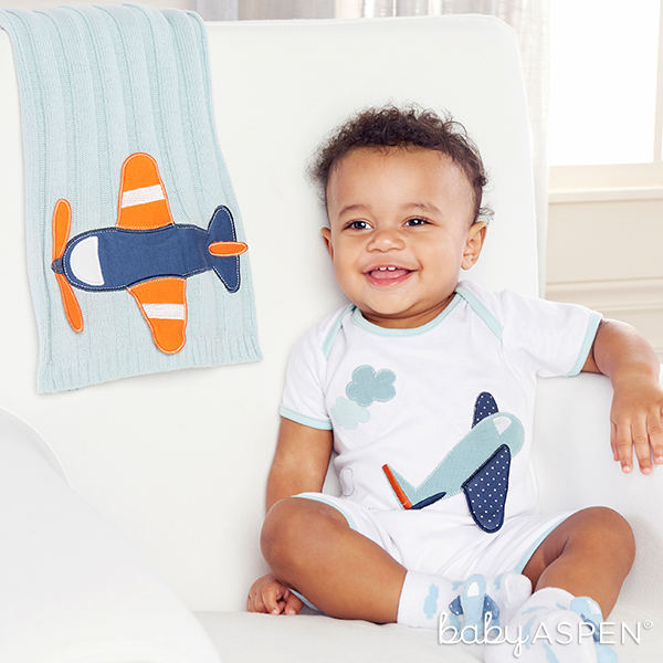Precious Cargo Blanket, Plane Layette, and Airplane Socks for Baby | @BabyAspen | BabyAspen.com
