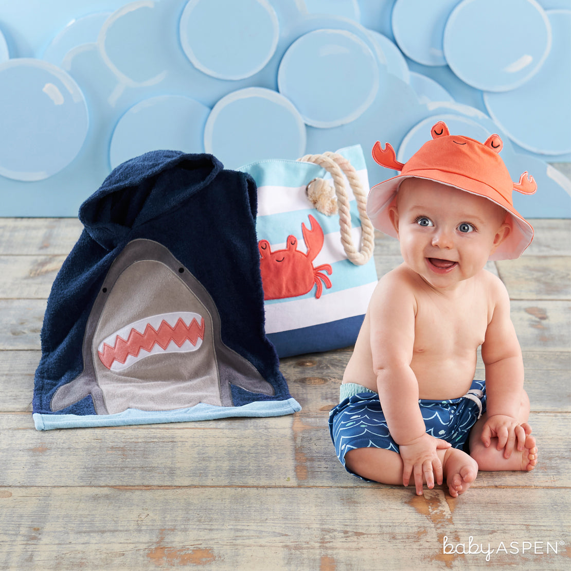 Shark 4-Piece Beach Gift Set with Canvas Tote for Mom | Brilliant Beach Baby Gifts + A Giveaway | Baby Aspen
