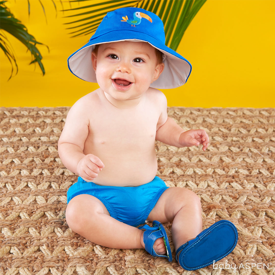 Tropical Beach Hat and Flip Flop Gift Set with Baby | 4 Totally Tropical Gifts for Baby | Baby Aspen