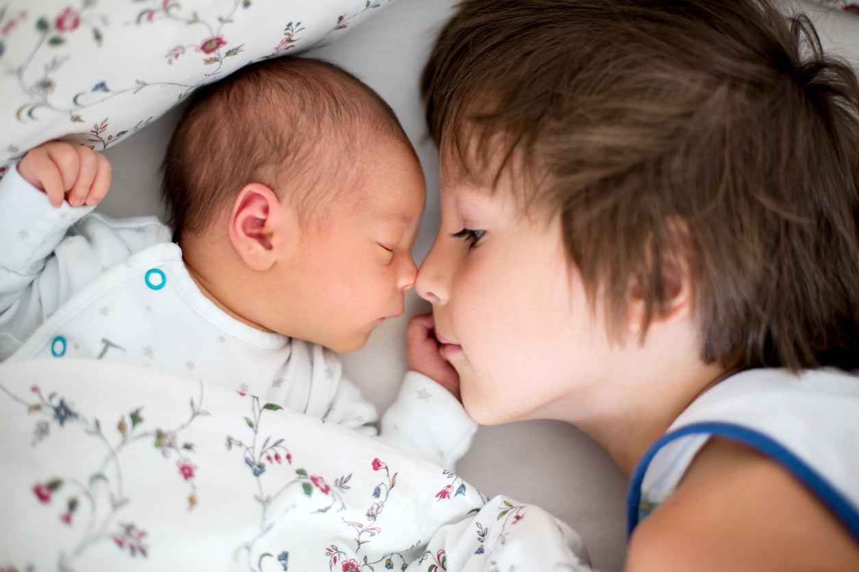 Brother Sleeping With Baby | Cute Baby & Sibling Photos | Baby Aspen