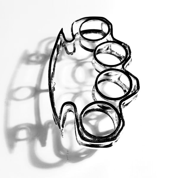 Knuckle brooch