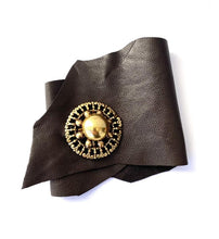 Load image into Gallery viewer, Leather cuff with vintage button closure