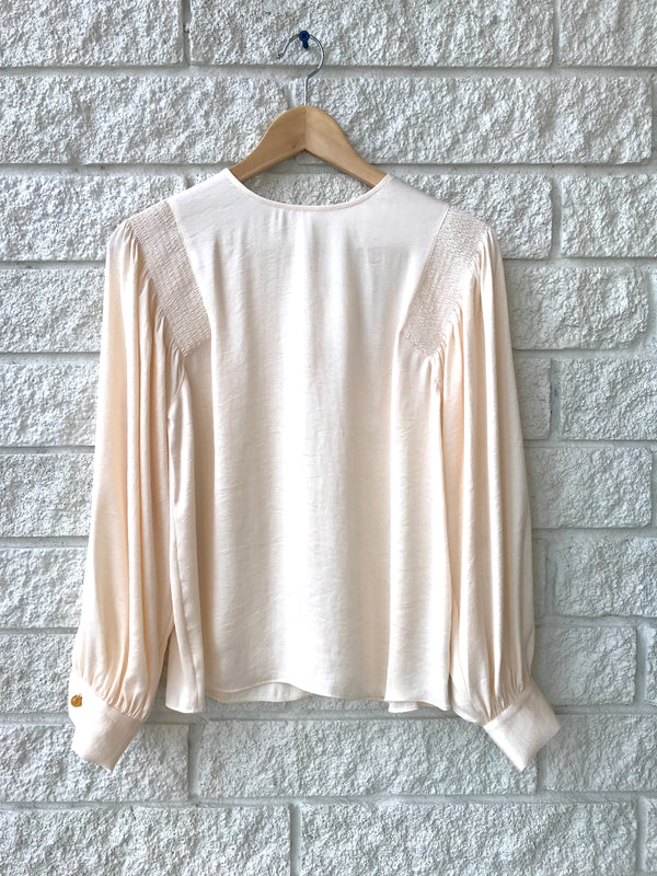SMOCKED LONG SLEEVE BLOUSE