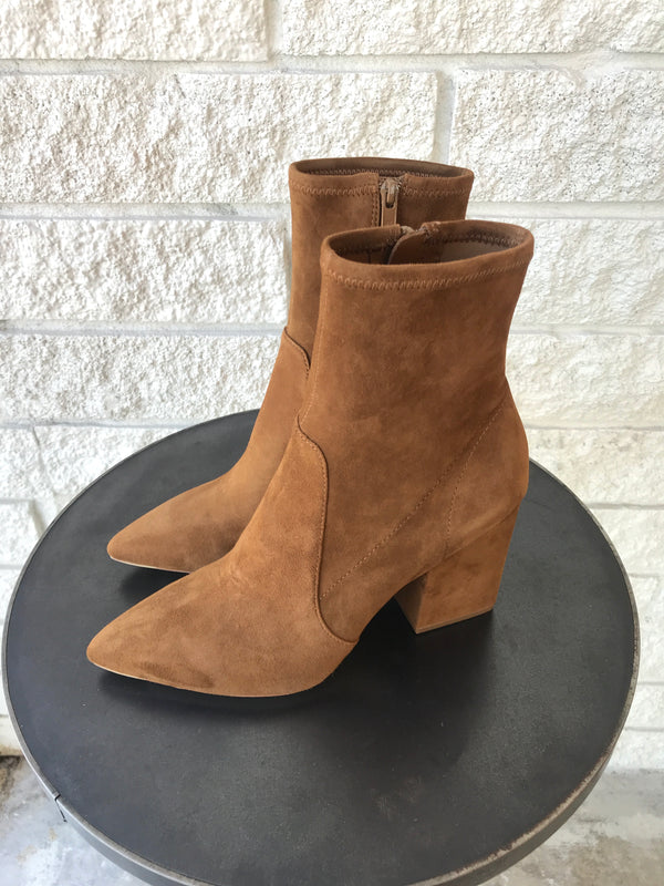 ISLA SLIM ANKLE BOOTIE WITH CHUNKY HEEL