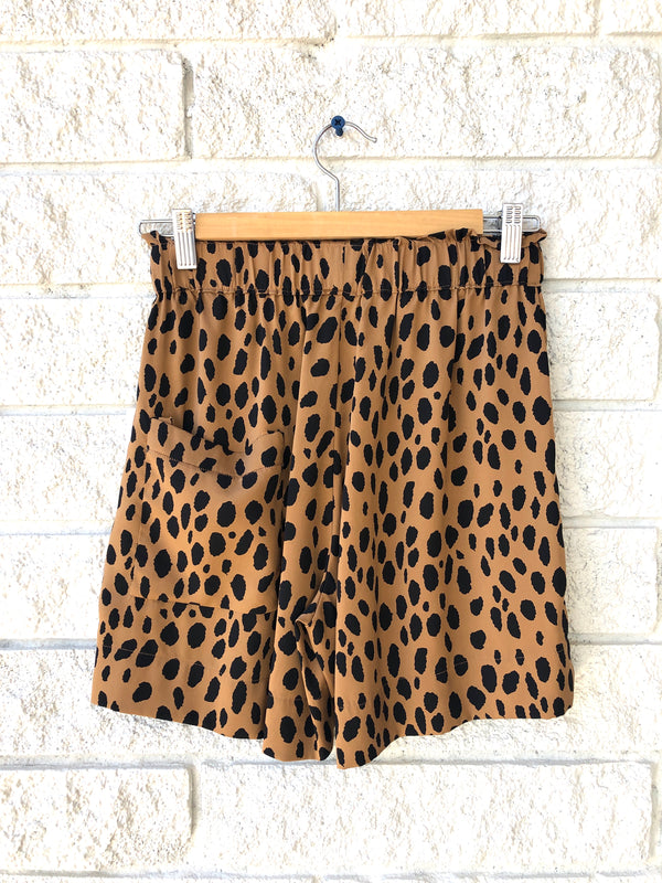 DOLLY SHORT-WILD PRINT