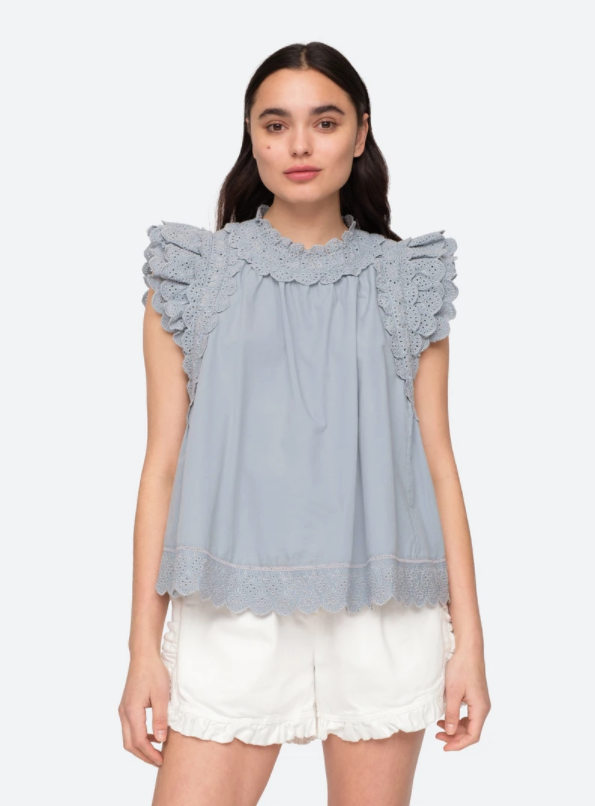 MARINA FLUTTER SLEEVE TOP