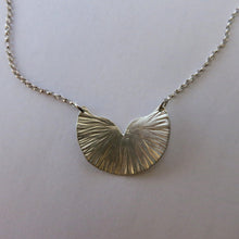 Load image into Gallery viewer, Waterlily Necklace