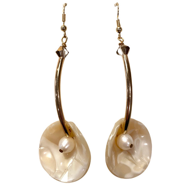 Calla earrings ivory