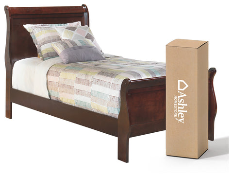 Alisdair Signature Design 4-Piece Bedroom Set with Memory Foam Mattress