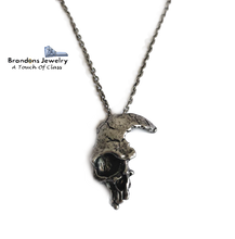Load image into Gallery viewer, Broken skull necklace