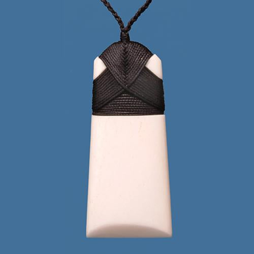 Medium Plain Toki Pendant