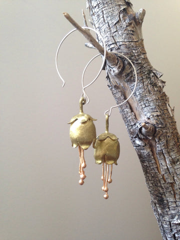 DEW DROP BOTANICAL EARRINGS IN GOLD