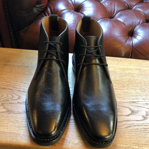 Mens Chukka Boot Black by Peter