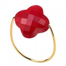 Red Quartz Clover Yellow Gold Ring