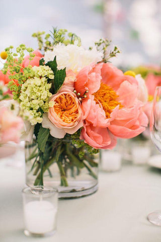 Bright wedding centerpieces