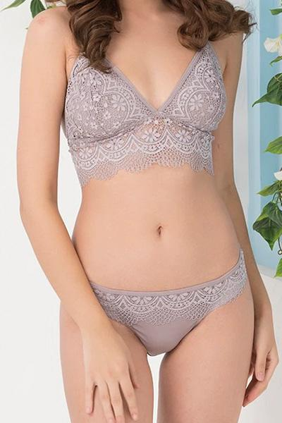 Lace Non Padded Non Wired Bralette & Low-Waist Bikini