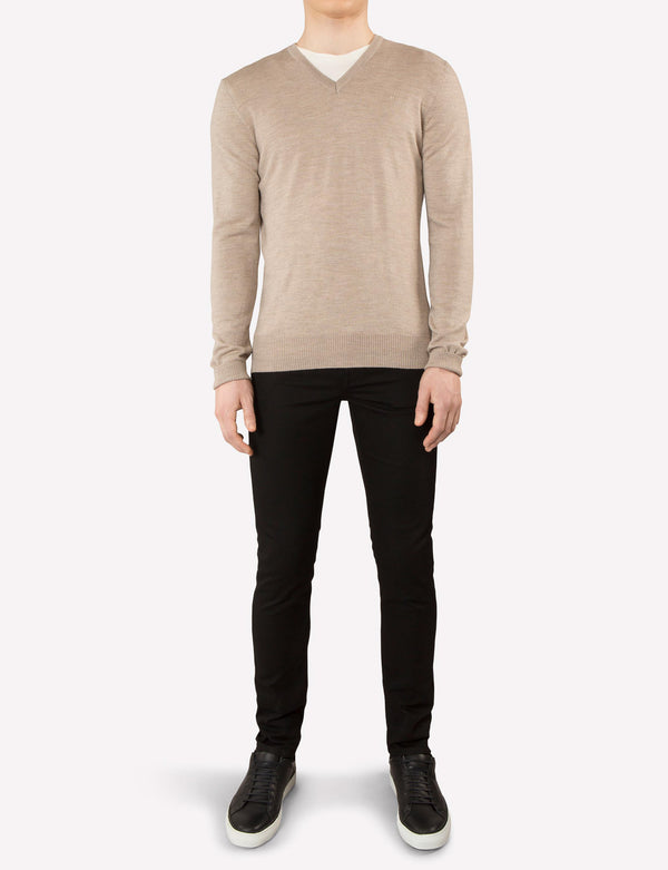 J. Lindeberg Lymann Merino V-Neck Sweater in Sand