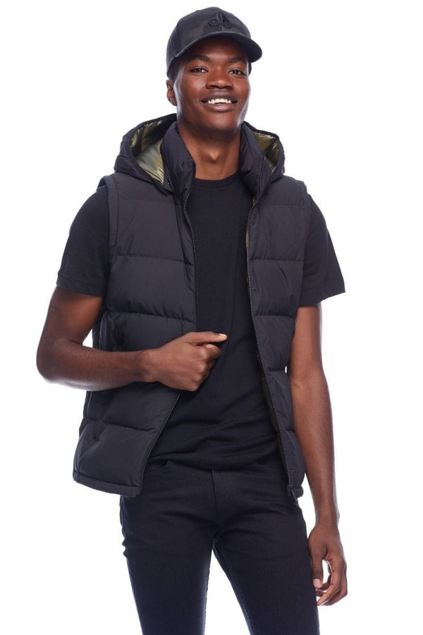Moose Knuckles Kilcona Vest in Black