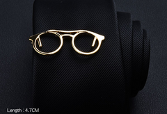 Eye glasses tie clip in silver. 4.7 cm by 2.7 cm. Optometry gift, eye care gift, optometry graduation gift. At Eye Gifts