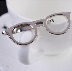 Eye glasses tie bar in silver. 5.5 cm by 2.0 cm. Optometry gift, eye care gift, optometry graduation gift. At Eye Gifts