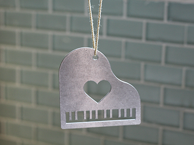 Metal Piano Ornament