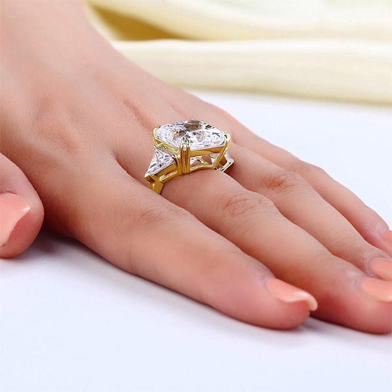 Solid 925 Sterling Silver Three-Stone Luxury Ring Anniversary 8 Carat Created Diamond Yellow Gold Plated XFR8328