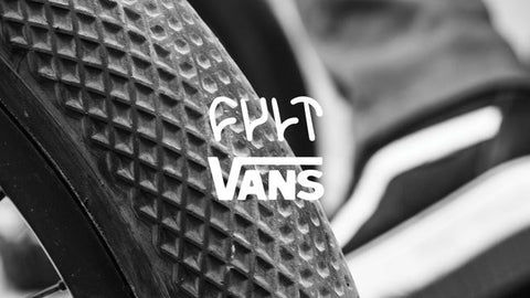 Cult Vans Tire - Black 20x2.35