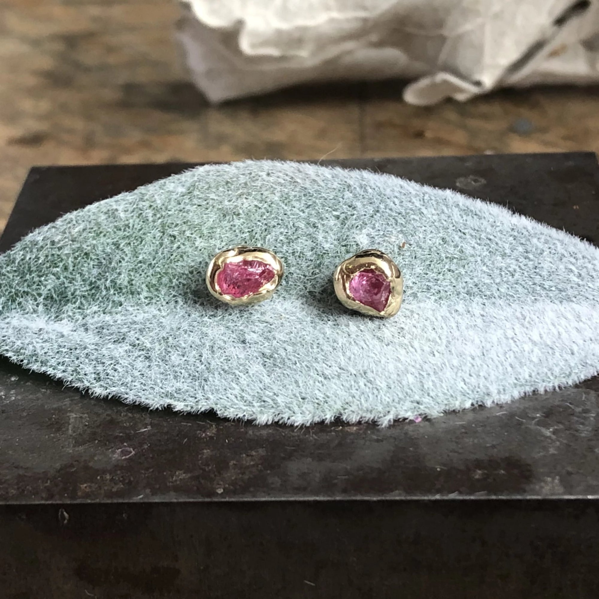 Bud Studs - Pink Spinel
