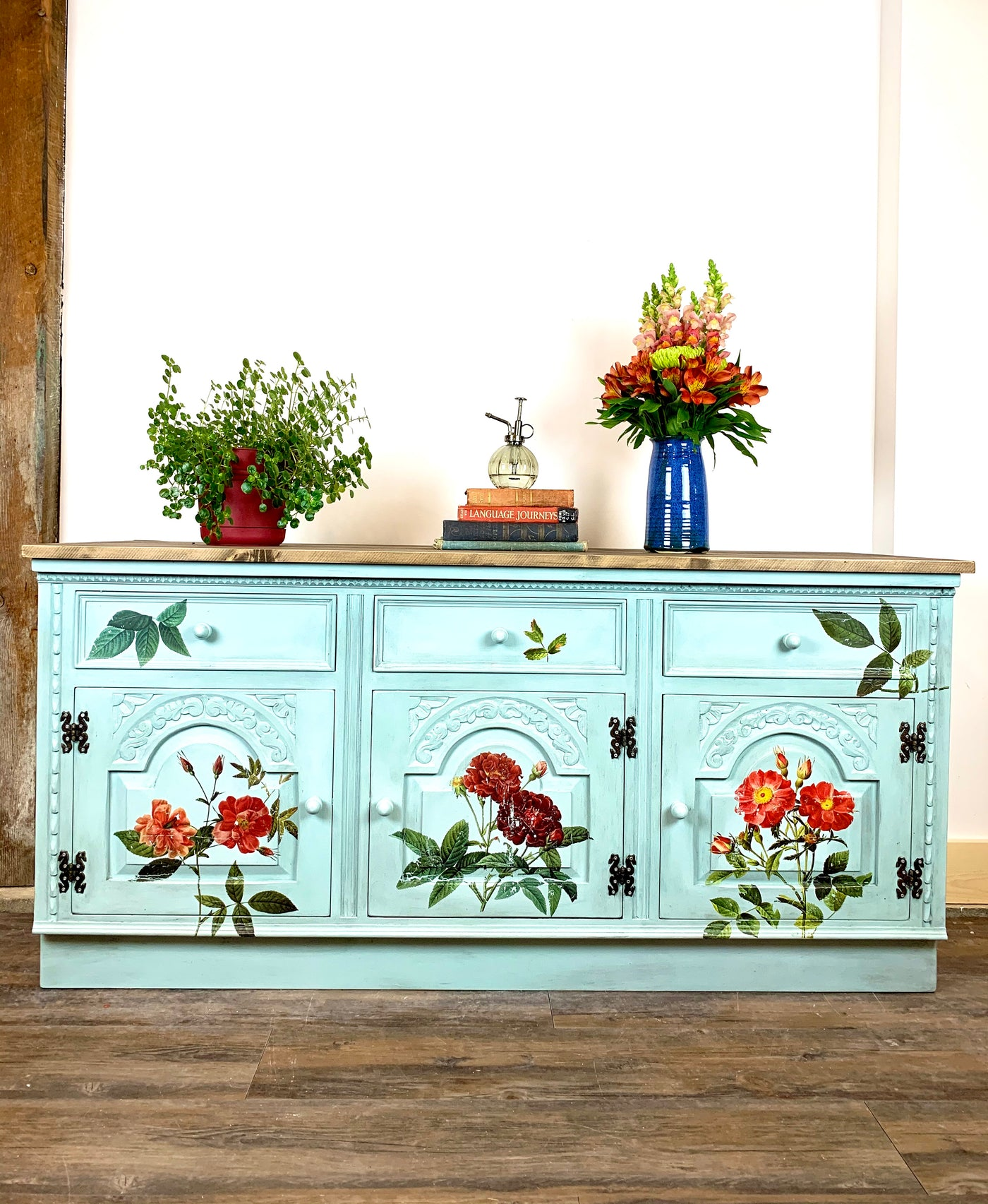 Annie Sloan chalk paint and Iron Orchis Designs Image Transfer complete a furniture makeover