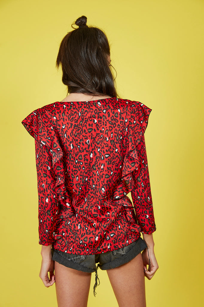 Top animal print rojo volantes & escote pico