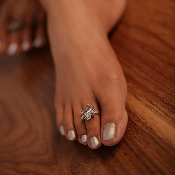 Sadafuli Silver Toe Ring