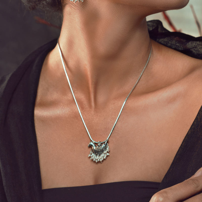 Shuk Sarika Silver Pendant With Chain