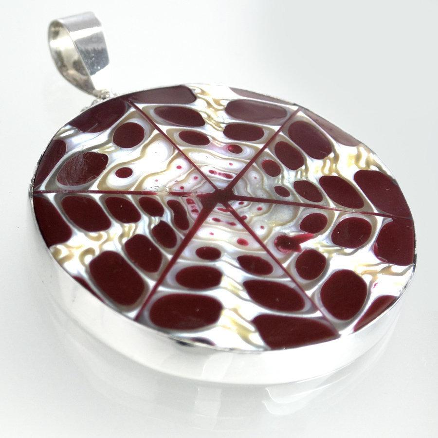 Hepburn and Hughes Seashell Pendant, Burgundy circle troca in Sterling Silver