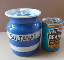 Load image into Gallery viewer, 1930s Cornishware Storage Jar: Sultanas