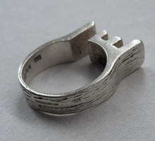 Load image into Gallery viewer, Quirky Vintage Modernist Silver Ring, with date mark for 1978 and maker's monogram: CD