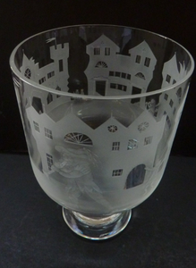 Engraved Vintage Caithness SCOTTISH GLASS Rummer / Goblet by Colin Terris (1937 - 2007). The Pied Piper playing on his enchanted pipe