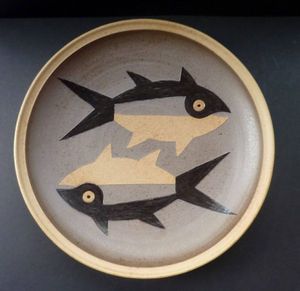 Beautiful Large STUDIO POTTERY Stoneware Hanging Wall Charger by Susan Brittleton with Two Abstract Fishes