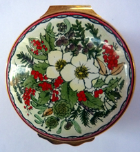 Load image into Gallery viewer, Vintage Halcyon Days Enamels Christmas Box 1983. Traditional Image of Christmas Flowers. Excellent Condition