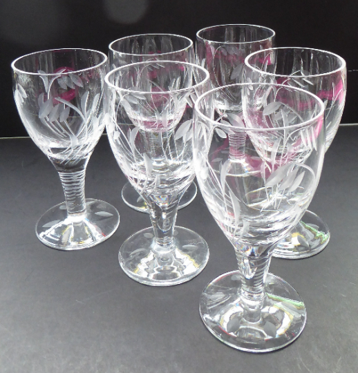 Pretty Set of Six STUART CRYSTAL ELGIN Pattern Sherry or Liqueur Glasses. With Engraved Foliage Design. Signed