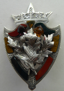 Antique 1901 SILVER BROOCH. Large Shield Brooch with Agates and Overlaid Silver Thistle. Adie Lovekin Ltd