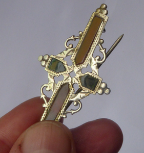 SCOTTISH SILVER: Delicated 1905 Edwardian Adie & Lovekin Ltd Brooch Inset with Agates