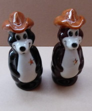 Load image into Gallery viewer, Wade Hamms Beer Bears Salt and Pepper Set