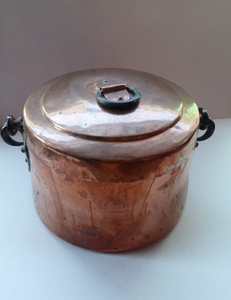 Arts & Crafts Antique Copper Lidded Pot or Storage Pail with Heavy Iron Handle and Hearts Decorations