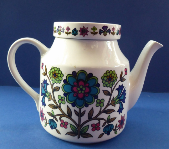 Vintage 1960s Large Size MIDWINTER POTTERY Teapot COUNTRY GARDEN Pattern. Designed by Jessie Tait